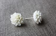 Balta puķīte