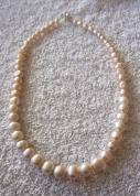 Laškrāsas upes pērļu kaklarota