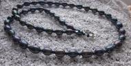 Tumšo upes pērļu rota ar TAHO stikla pērlēm