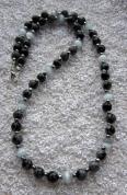 Pārslotā obsidiāna un kaķacs pērļu rota