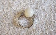 Gredzens ar marmora pērlīti