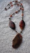Ahāta, upes pērļu, Taho stikla pērļu, kaķacs pērļu rota ar kulonu